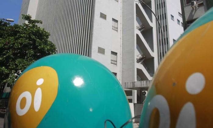 Teles disputam com Anatel venda ou aluguel de 8.500 prédios
