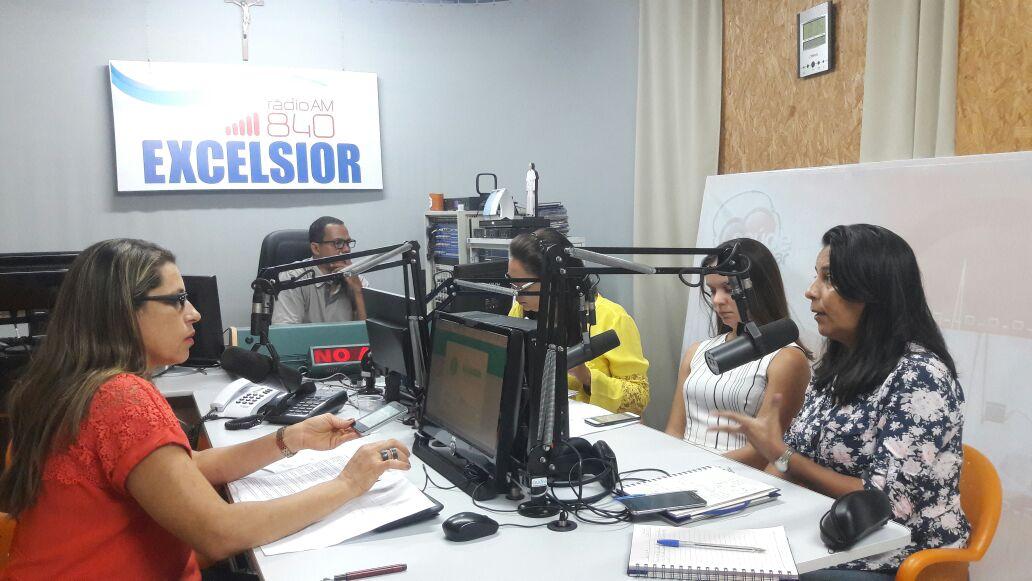 Sinttel discute saúde do teleoperador em programa de rádio