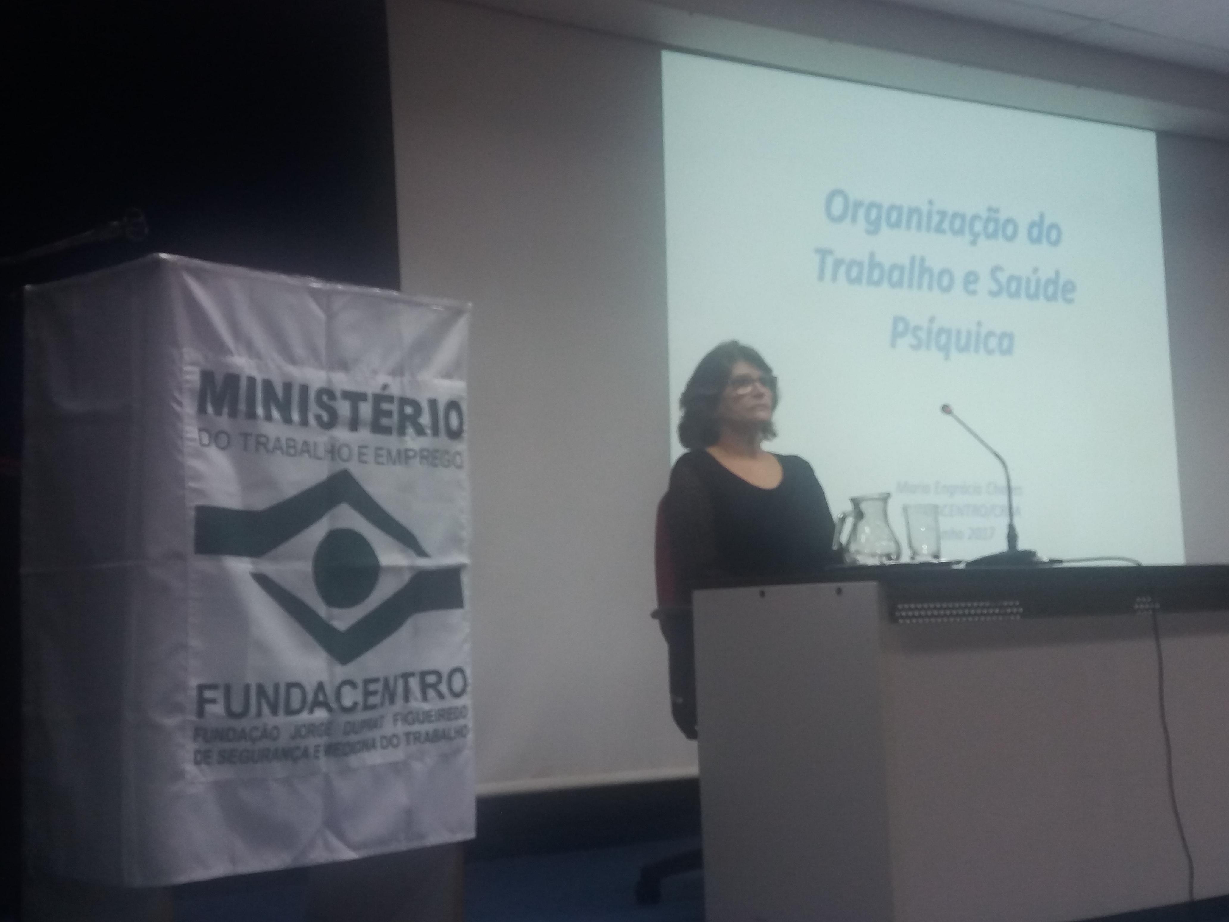 Sinttel participa de palestra sobre organização do trabalho promovida pela Fundacentro