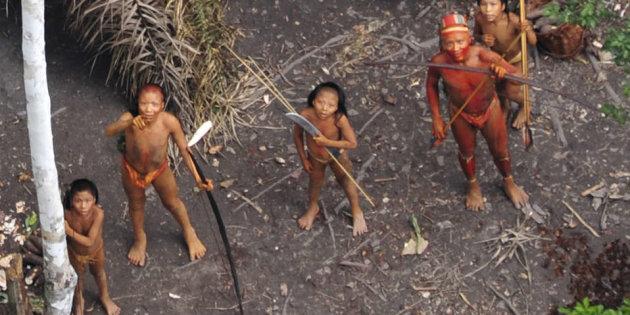 ONG denuncia massacre da tribo mais isolada do mundo por garimpeiros ilegais no Amazonas