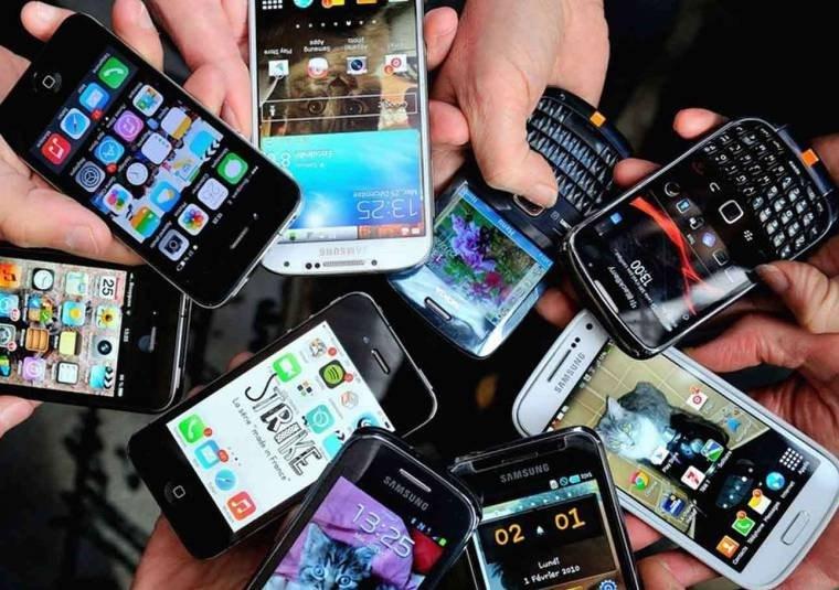 Bloqueio de celulares irregulares fica para 2018, diz Anatel