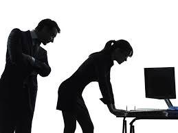 Assédio no trabalho dificulta ascensão de mulheres nas empresas